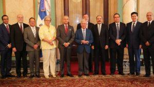 El presidente Danilo Medina recibió ayer a los miembros de la Academia Iberoamericana de Gastronomía y de la Academia Dominicana de Gastronomía.